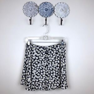 Forever 21 Daisy Button Front Skirt Medium M